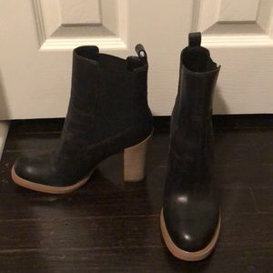 Marc Fisher Shoes - Marc Fisher Chelsea Booties size 6.5